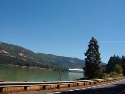 View east along Oregon 58